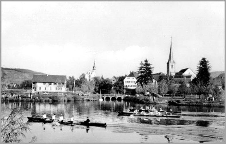 Blick vom Neckar auf das ursprünglich gebaute Bootshaus mit Wirtschaft und Pächterwohnung